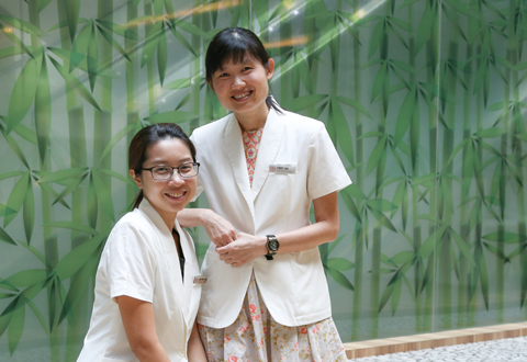 (L-R) Jane Wong, Senior Clinical Coordinator and Cindy Lau, Principal Clinical Coordinator from the ACP programme.